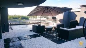 parasol ogrodowy na dachu