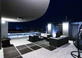 Blade runner na 9 piętrze czyli minimalistyczny taras black and white
